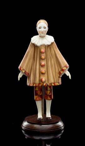 Pierrot (in beige)